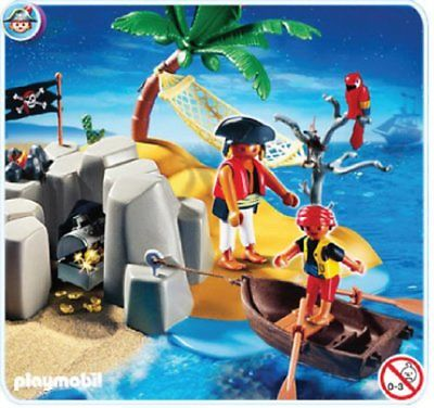 Playmobil pirate hideout