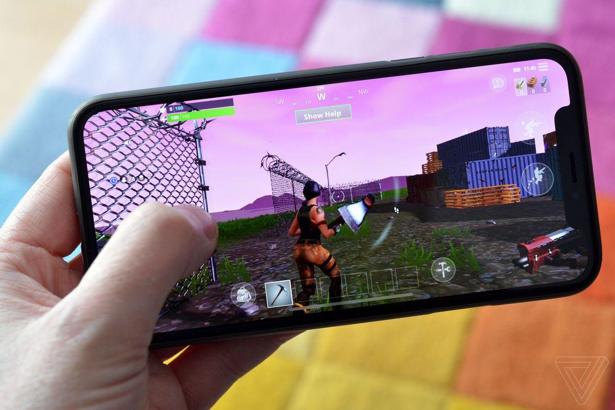 Fortnite battle royale for mobile phone