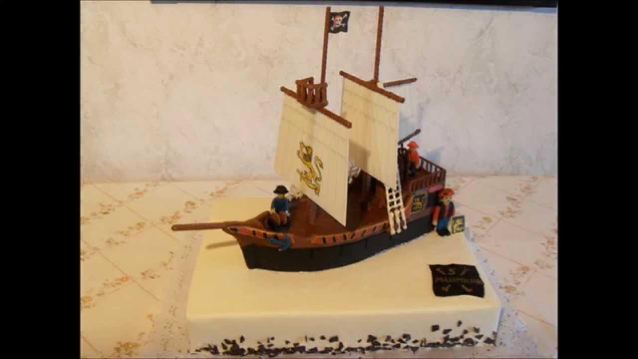 Playmobil pirate cake