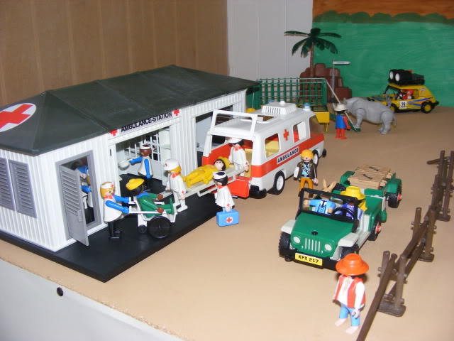 Playmobil ambulance set